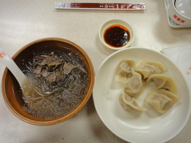 上海駅前 大娘餃子の粉絲と白菜猪肉餃子