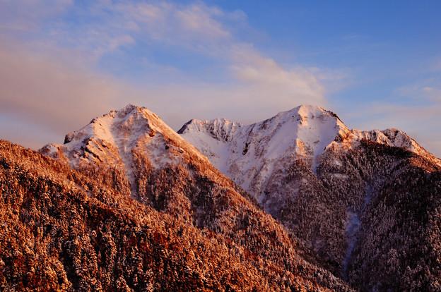 八ヶ岳最南部 権現岳が夕陽に染まる