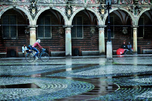 雨中を走る