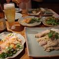 写真: 夕食はタイ料理
