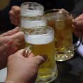 写真: やっぱり乾杯