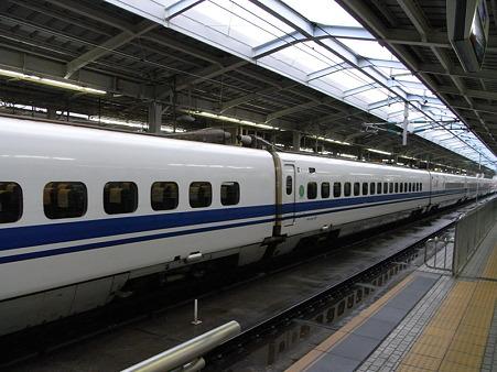 700系(新大阪駅)