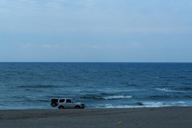 たそがれの浜辺