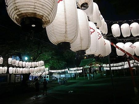夏祭り宵宮=雨