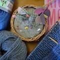 写真: knitting