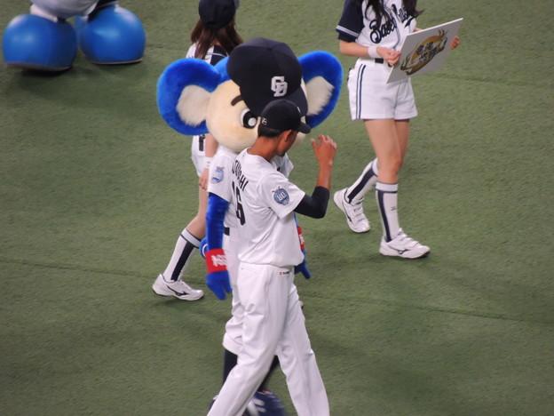 Photos: 又吉くんとドアラ。