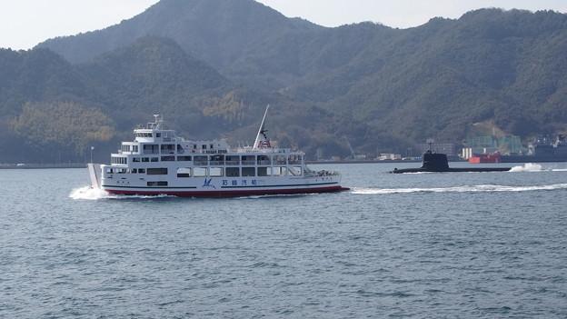 フェリー乗船(呉 ~ 広島港)   DSC00504