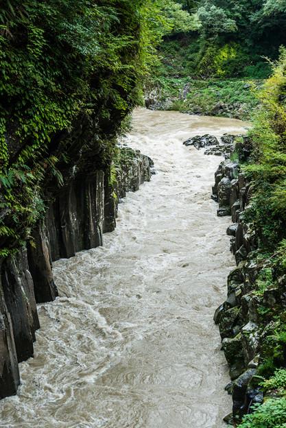 濁流の高千穂峡