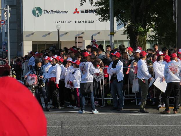 Photos: ボランティア整理員