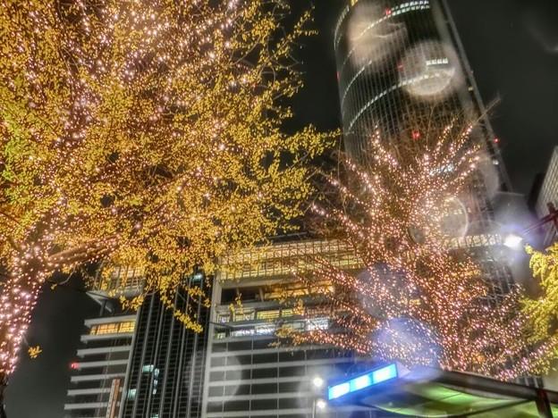 写真: 夜の名古屋はRainy Rainy D-Lite from BIGBANG