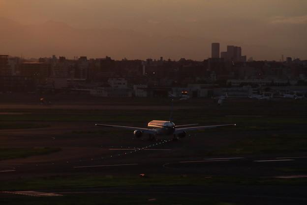 Korean Air Boeing 777-3B5 HL7573 -RAW現像-