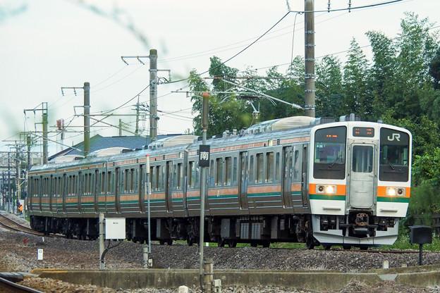 信越本線を走る211系