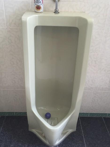 コスモ商事のパチンコ店のトイレ
