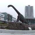 駅前の恐竜3