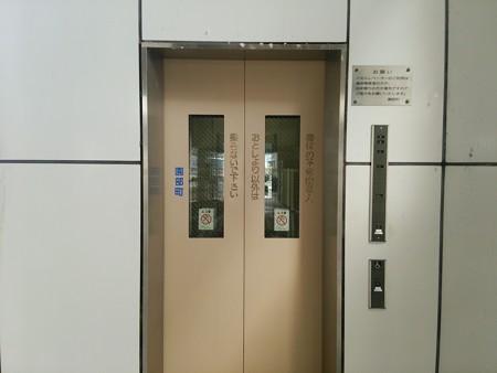 園部駅外のエレベーター