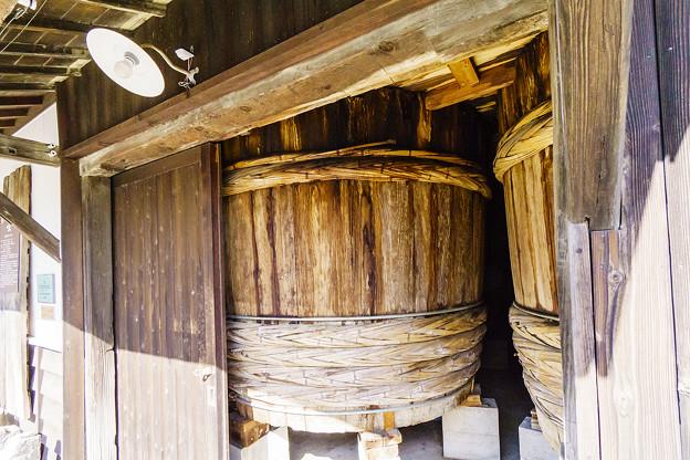 ヤマヒサ醤油 杉樽