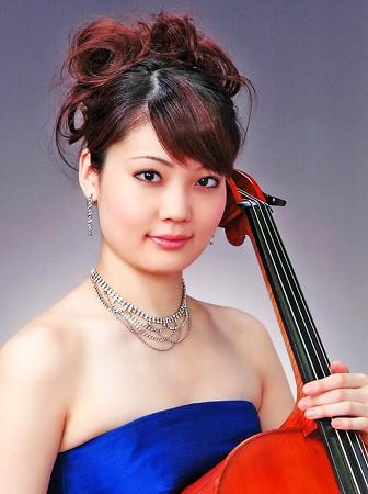 小松舞衣 こまつまい チェロ奏者 チェリスト