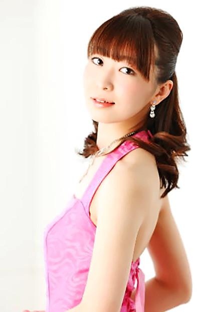 写真: 飯田糸音 いいだしおん ピアノ奏者 ピアニスト  Sion Iida