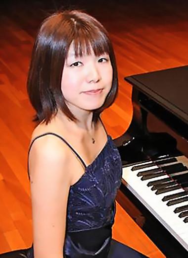 写真: 山崎香 やまざきかおり ピアノ奏者 ピアニスト        Kaori Yamazaki