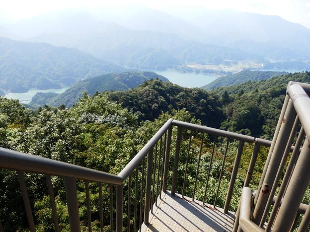 Photos: 仏果山展望塔階段