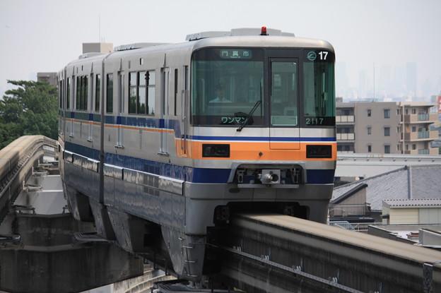 大阪モノレール2000系2117F (2)