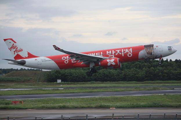 エア・アジア エアバスA330-300 HS-XTC (1)