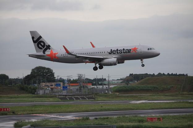 ジェットスタージャパン エアバスA320-200 JA07JJ (1)