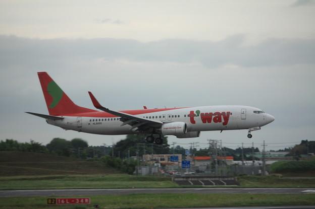 ティーウェイ航空 ボーイング737-800 HL8000