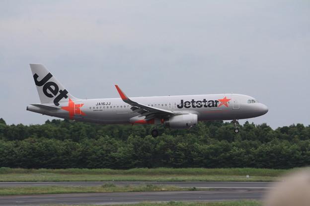 ジェットスタージャパン エアバスA320-200 JA16JJ