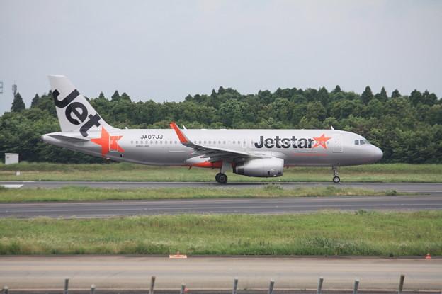 ジェットスタージャパン エアバスA320-200 JA07JJ