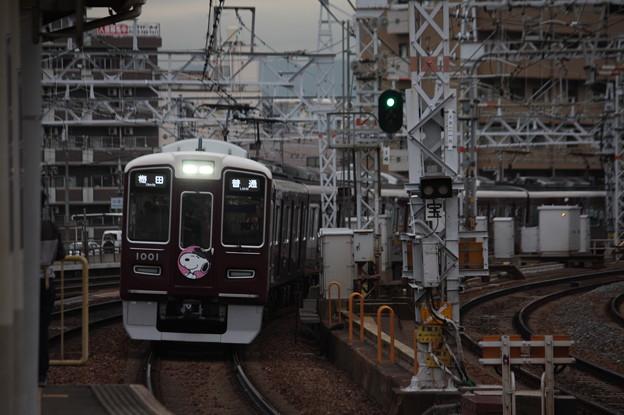 阪急宝塚線 1000系1001F スヌピーヘッドマーク