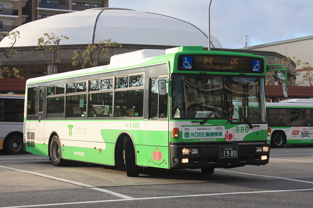 神戸市営バス 880号車