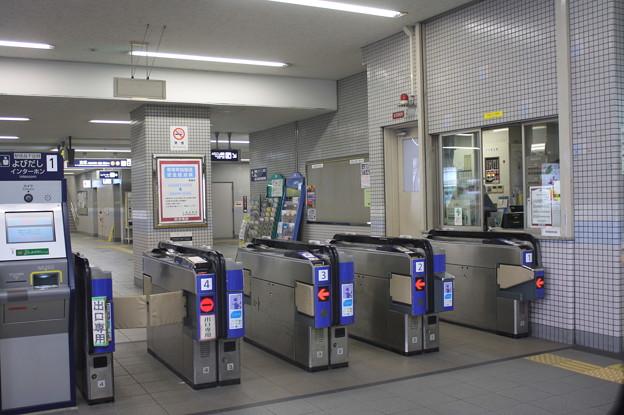曽根駅 改札口