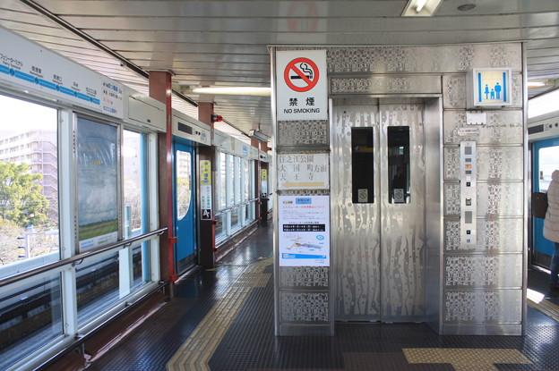 ニュートラム南港ポートタウン線 中ふ頭駅 構内 エレベーター