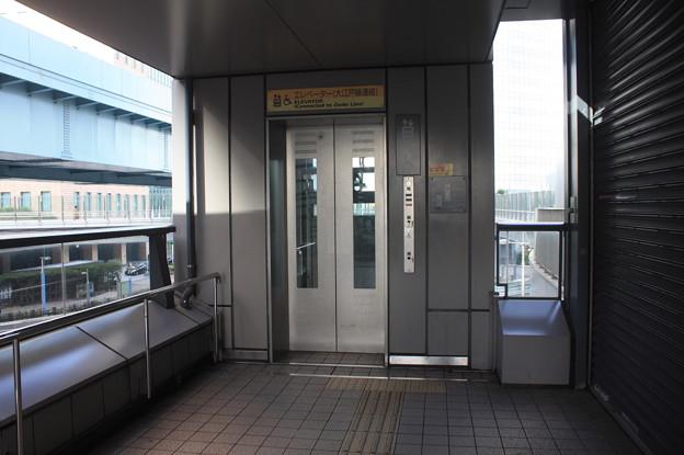 ゆりかもめ汐留駅 エレベーター