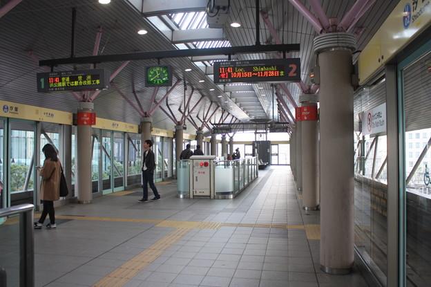 ゆりかもめ汐留駅ホーム