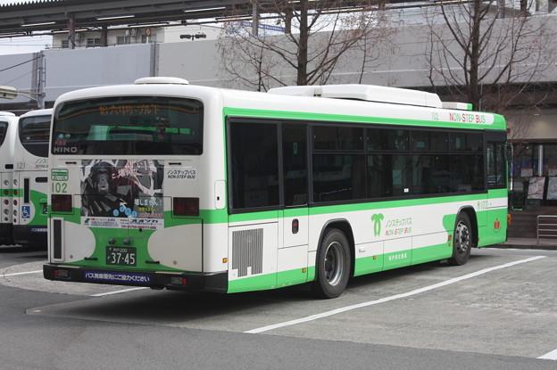 写真: 神戸市営バス 102号車 後部