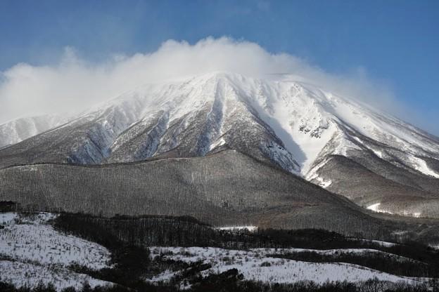 11.岩手山神社付近? から見た真冬の岩手山