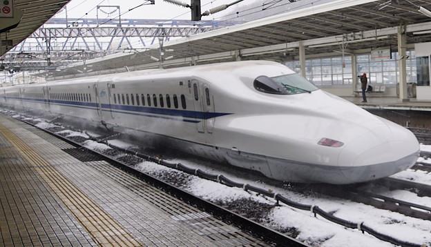 新幹線散水式融雪装置作動