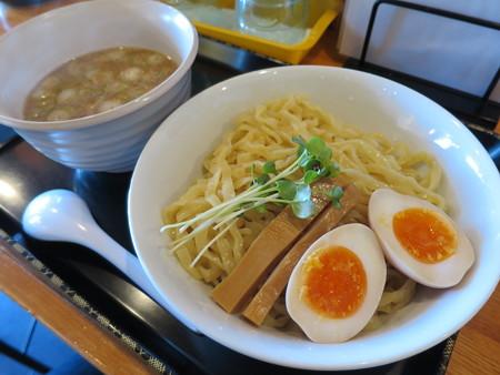 らぅめん縁 縁のつけ麺(中盛り) アップ