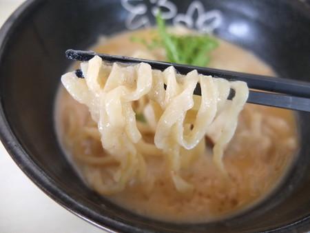 はな禅 2016/05/20花膳(Veganランチ、限定15食) 蕪の冷製ポタージュ麺 麺アップ