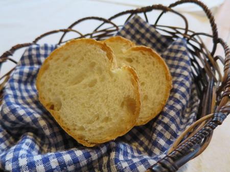 カーザ サンヴィート おすすめコース(肉) パン