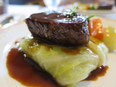 カーザ サンヴィート おすすめコース(肉) 黒毛和牛のロースト サーロイン 横から見た図