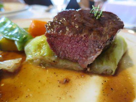 カーザ サンヴィート おすすめコース(肉) 黒毛和牛のロースト サーロイン 断面図