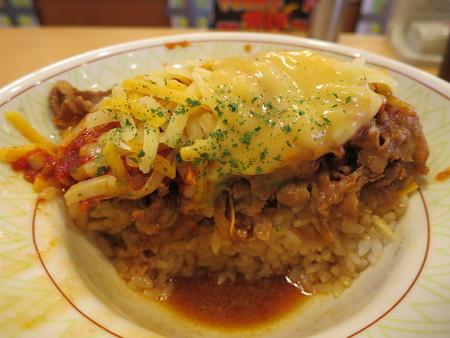 すき家 上越高土店 アラビアータ牛丼(期間限定)中盛 3種のチーズトッピング 断面図