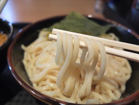 宝来軒 総本店 特つけ麺(味噌つけ汁、普) 麺アップ