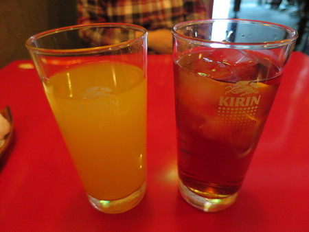 じょうえつバル街2016 王華飯店 オレンジジュース、烏龍茶