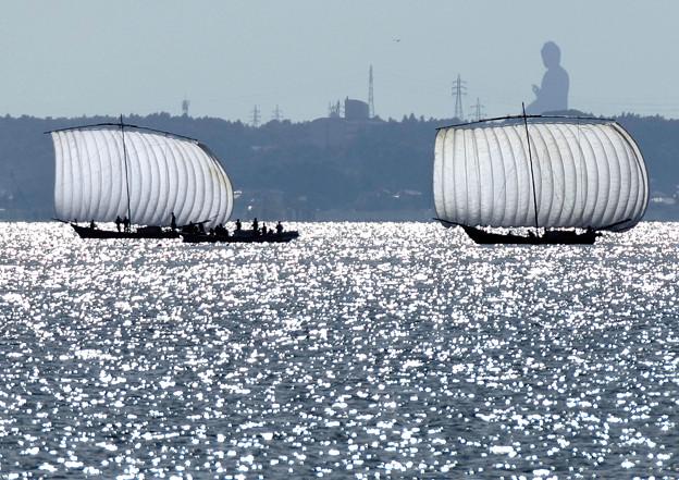 牛久大仏と帆曵き船