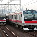 Photos: 2010.07.10(SAT)JR京葉線205系(左)とE233系5000番台(右) [検見川浜]