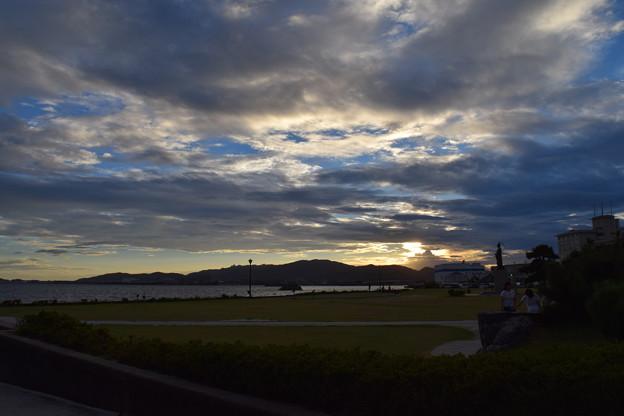 夕日に染まる蒲郡